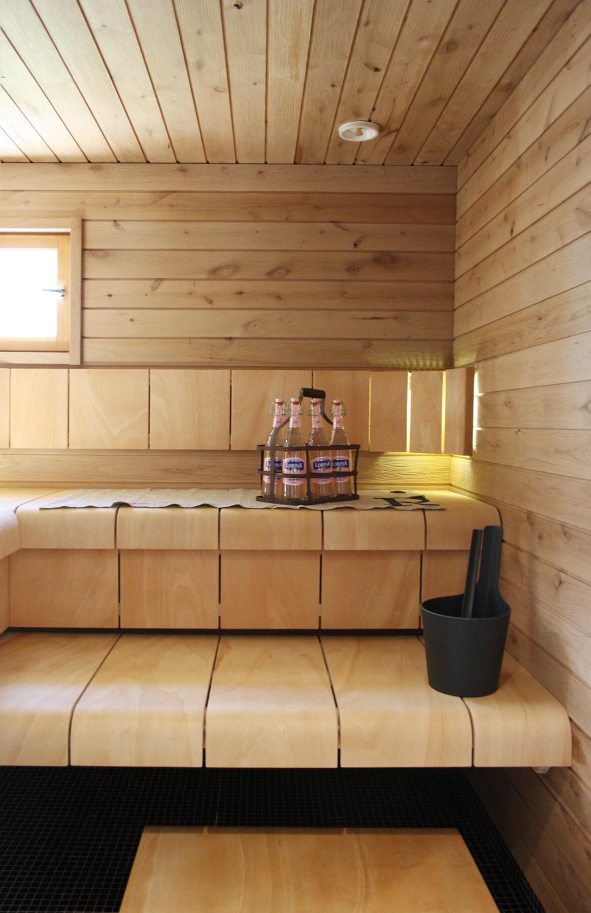 sauna, muotoonpuristettu puuviilu