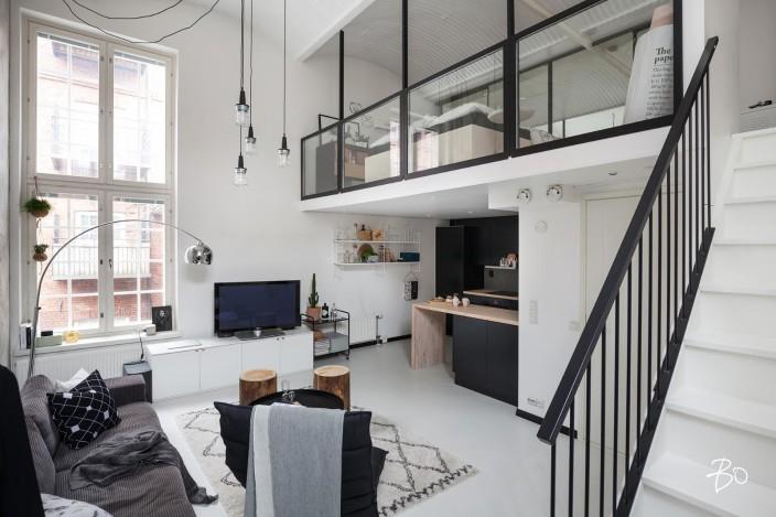 loft-asunnon teollista tyyliä olohuoneessa