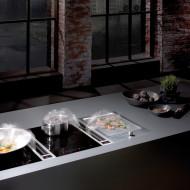 Kaunis liesituuletin puhdistaa ilmaa ja on osa keittiön sisustusta
