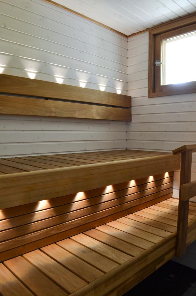 90-luvun_omakotitalon_sauna_remontin_jalkeen