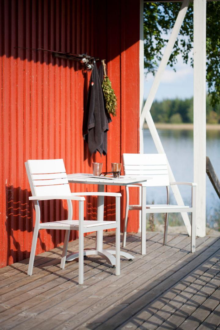 laituri, pöytä, tuoli