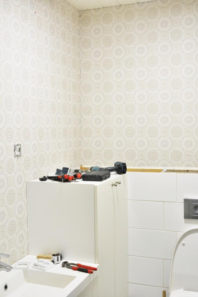 WC:n remontti ennen tapetti ja kaakeli