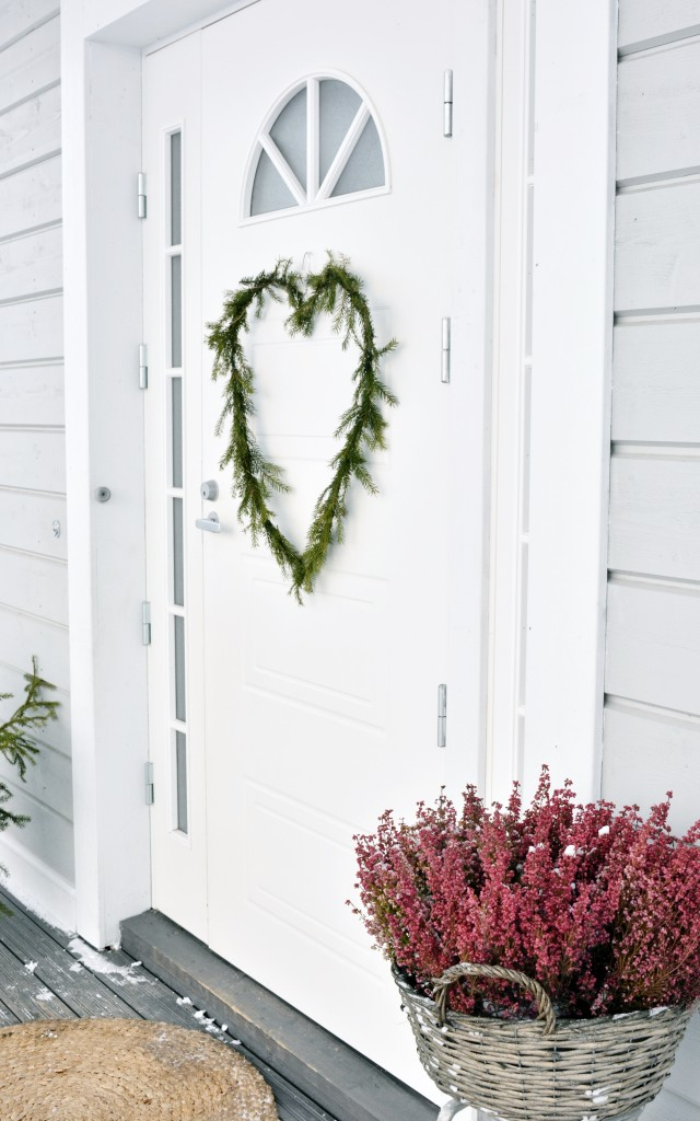 DIY joulukranssi ulko-ovessa