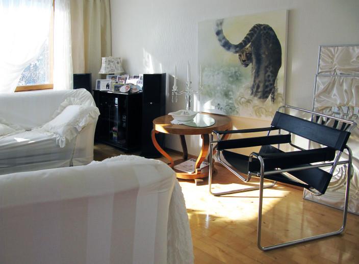 Taitelijan koti, Wassily design-tuoli